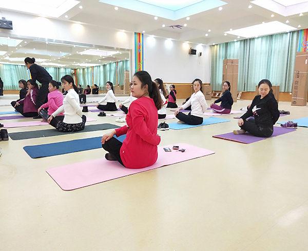 特色瑜伽教练培训-安徽瑜伽教练培训-合肥粹缘瑜伽教学(查看)